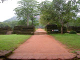 Path to Sigiriya rock